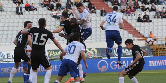 KVIZ: Provjerite znanje o susretima Hajduka sa Slaven Belupom