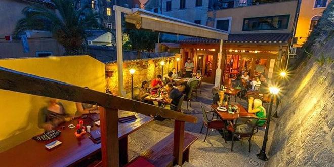 Nakon pet mjeseci sutra ponovo otvara splitska konoba-pizzerija Maslina!