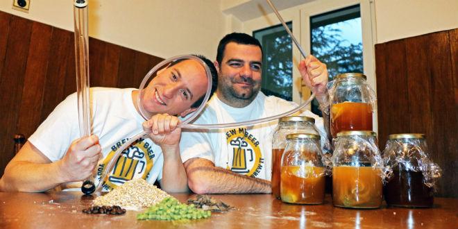 Sjećate li se Splićana koji su govorili da će praviti pivo s okusom pancete i prije dvije godine pokrenuli crowdfunding kampanju? Uspjeli su, večeras je promocija njihovih pića...