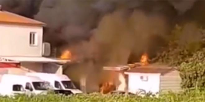 VIDEO Vatra progutala pekaru