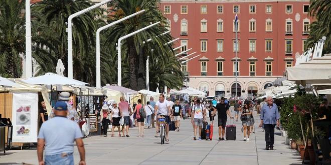 Hoće li koronakriza napokon u red dovesti prenapuhane cijene najma u Splitu?