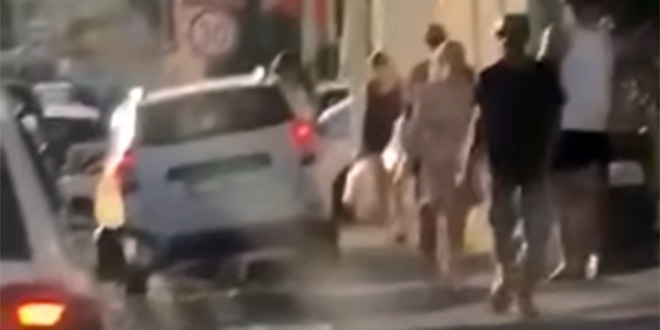 VIDEO IZ PODSTRANE 'Ovako iskusni majstori rješavaju problem gužve na cestama'