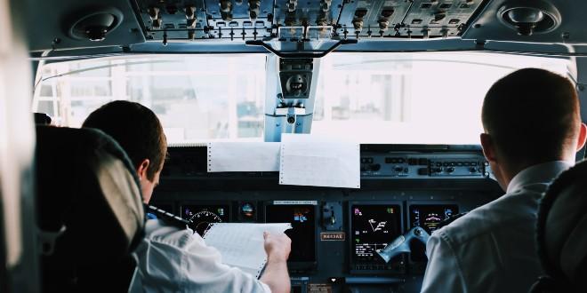 Dvoje putnika na letu od Amsterdama do Ibize uhićeni jer su odbili nositi maske