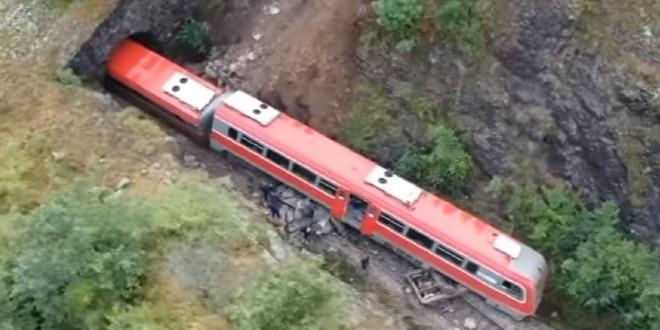 DRAMA NA TRAČNICAMA: Stijena pala na prugu, a vlak odsklizao!
