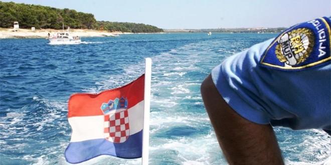 AKCIJA U BRAČKOM KANALU Poljak plutao u čamcu na napuhavanje, spasili su ga policajci