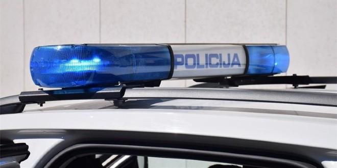 STRAVIČNA NESREĆA U BRNAZAMA Motociklist u srazu s automobilom poginuo na mjestu