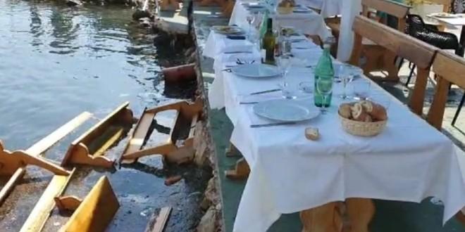 Smojina scena u malenoj Marini: Dožupan, načelnik i direktor sjeli na službeni ručak i upali u more!