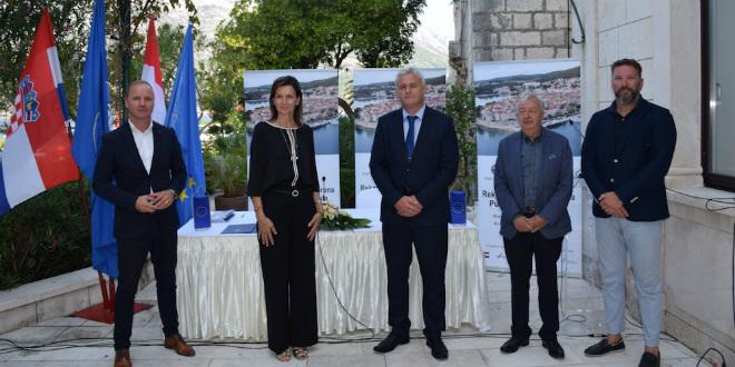 FOTOGALERIJA Potpisan ugovor za rekonstrukciju lukobrana Puntin
