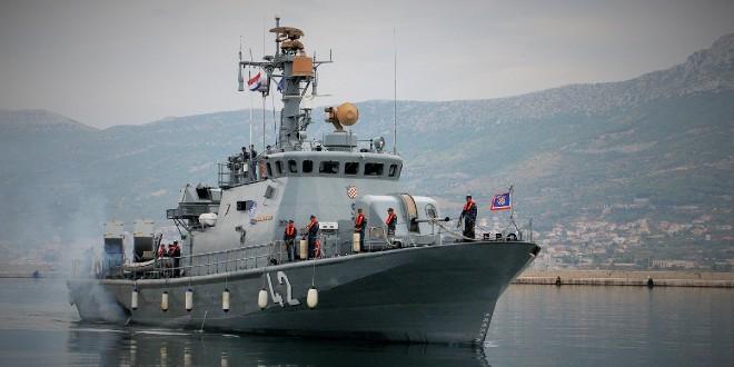 POSAO U VOJSCI Prima se 300 mornara u djelatnu vojnu službu
