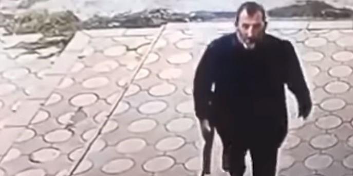 UZNEMIRUJUĆI VIDEO: MMA borac Shamil Abdulmuslimov zvjerski je likvidiran u restoranu