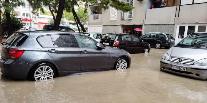 BLATINE POD VODOM Velika poplava na Poljičkoj cesti, pogledajte snimke