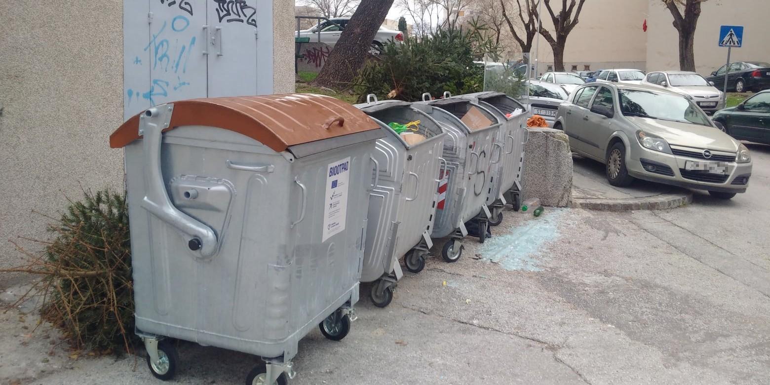 PLOKITE Stigli kontejneri za biootpad, ali nisu postavljeni u Iločkoj ulici