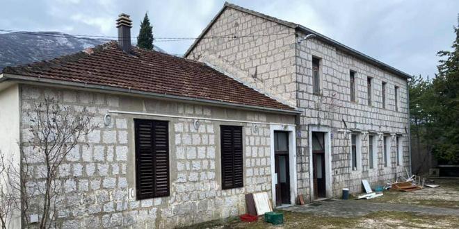 Stara škola u Rašćanima preuredit će se u planinarski dom
