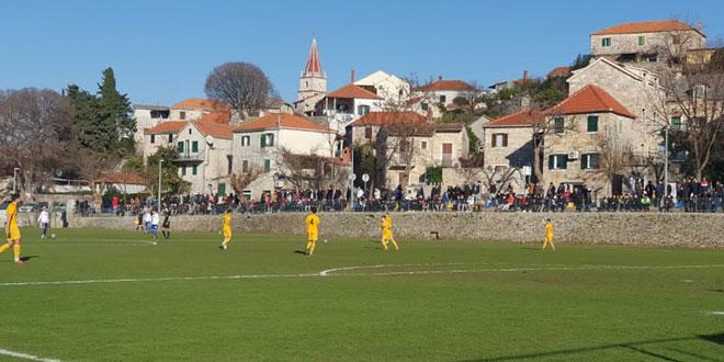 Utakmica između Hajduka i Croatije Zmijavci igrat će se u Splitu