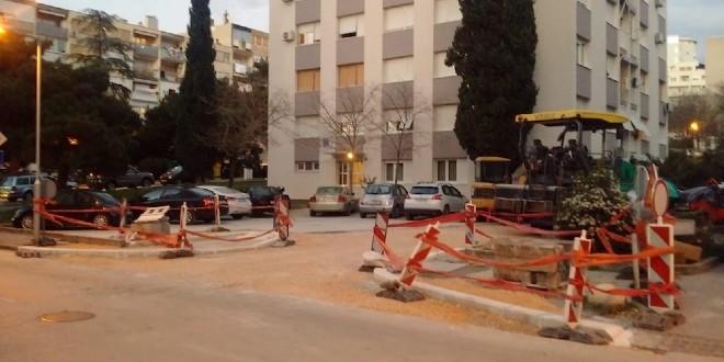 RADOVI U ĐAKOVAČKOJ PRI KRAJU 'Ukazujemo na problem nedostatka parkirališnih mjesta, ali rješenja nema na vidiku'