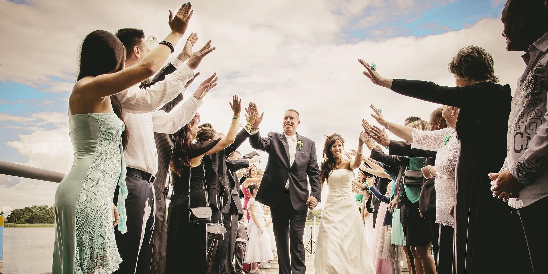 Policija kod Sesveta upala na svadbu i uhitila mladi par