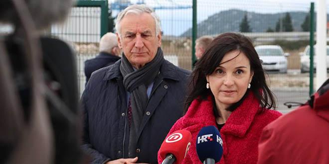 Ministrica Vučković i župan Dobroslavić u Pločama: 'Udruživanje je ključ razvoja proizvodnje mandarine u dolini Neretve'