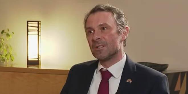 Britanski veleposlanik: Do ljeta ćemo cijepiti 70% ljudi, ne vidim problem između EU i Ujedinjenog Kraljevstva