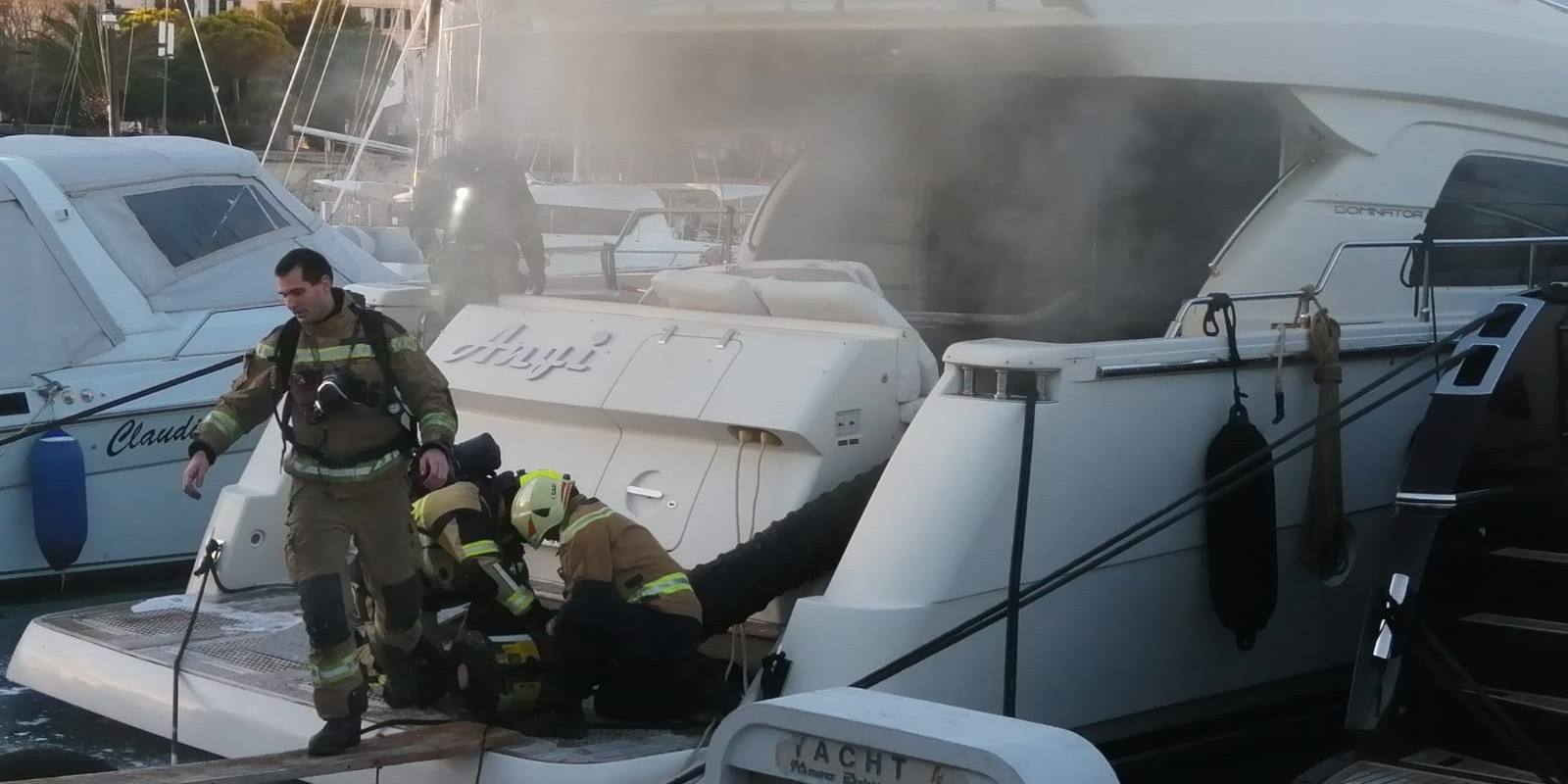 PODLEGAO OZLJEDAMA Preminuo muškarac koji je planuo na brodici u marini