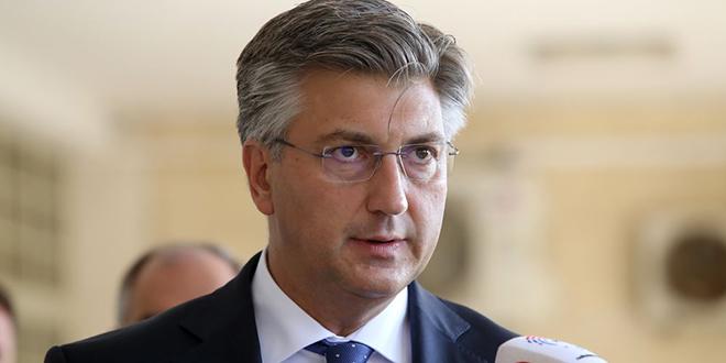 PLENKOVIĆ STIGAO U SLAVONSKI BROD 'Vlada će učiniti sve da pomogne unesrećenima'