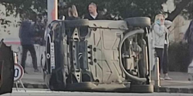 PREVRNUO SE AUTO Prometna nesreća u Splitu, jedna osoba prevezena u bolnicu