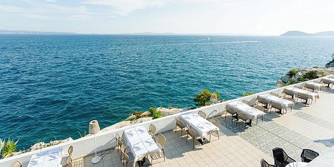 Restoran Adriatic i pizzerija Skipper danas otvaraju vrata svoje sunčane terase - povratak u modru oazu okusa