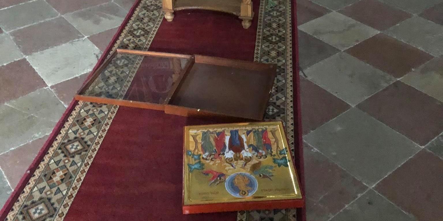 POD OKRILJEM NOĆI Provalili i devastirali šibensku pravoslavnu crkvu