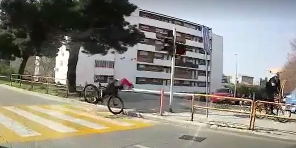 VIDEO Kako biciklom završiti na nosu