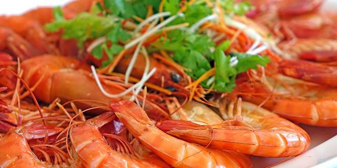 Kako se jedu škampi? Mnogo ljudi ih obožava, ali ih ne zna pripremiti i očistiti