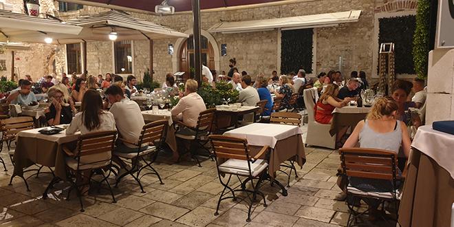 Nešto fino u Portofino restoranu!