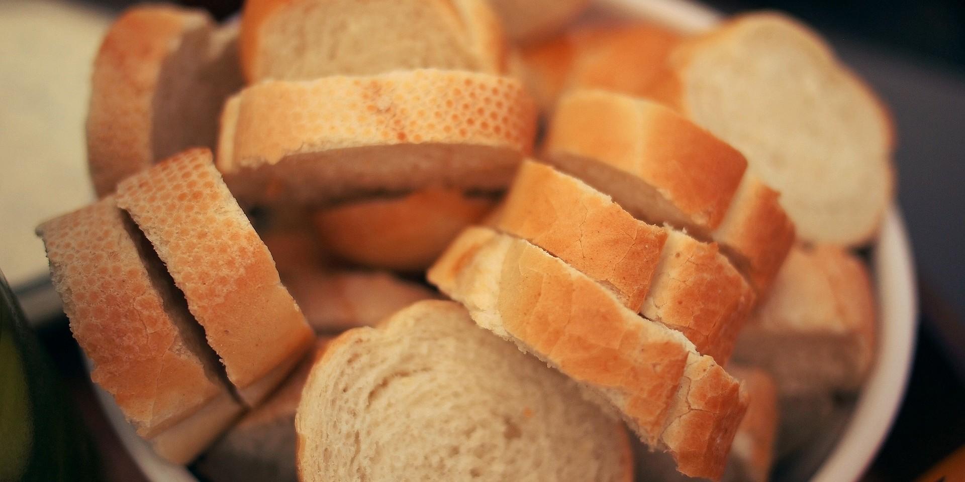 Ako je plijesan zahvatila samo dio kruha, svejedno bacite cijeli