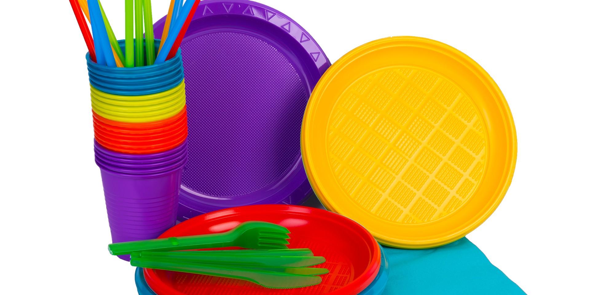 ZA DVA MJESECA ODLAZE U POVIJEST: Plastični pribor za jelo, tanjuri, slamke, štapići