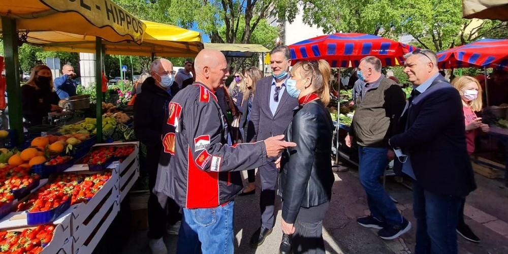FOTOGALERIJA Zdeslav Benzon obišao tržnicu na Plokitama