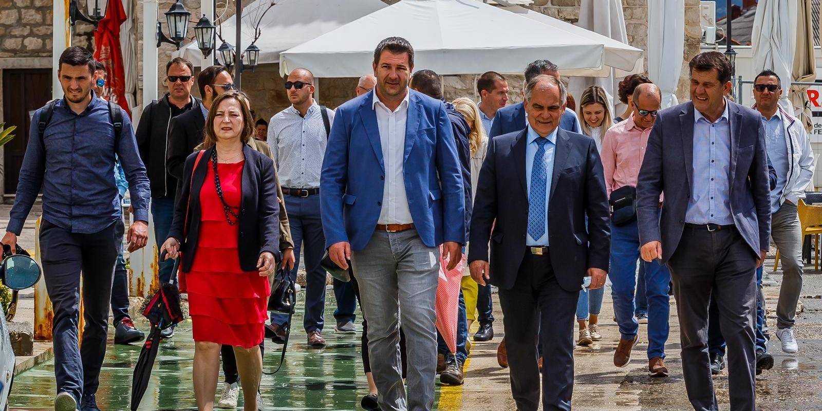 Ivanović: U nedjelju zaokružite 1 za gradonačelnika Kaštela i 4 za našu listu