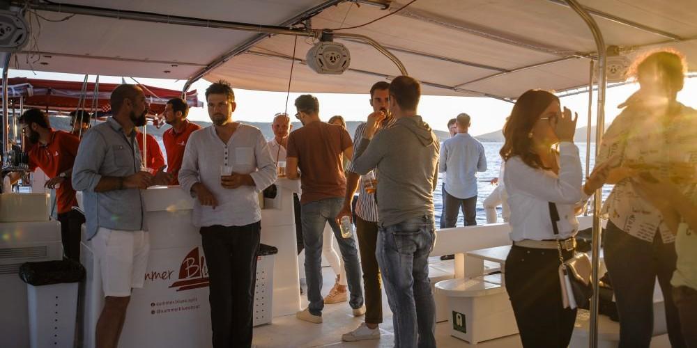 FOTOGALERIJA Novi rebranding i web stranica Split Tech Cityja predstavljeni su na Summerblues katamaranu