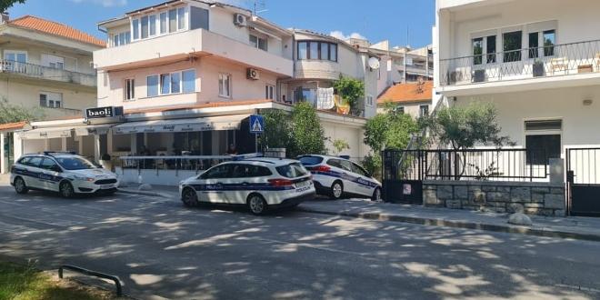 PUNE GRIPE POLICIJE Što se događa kraj popularnog splitskog kafića?