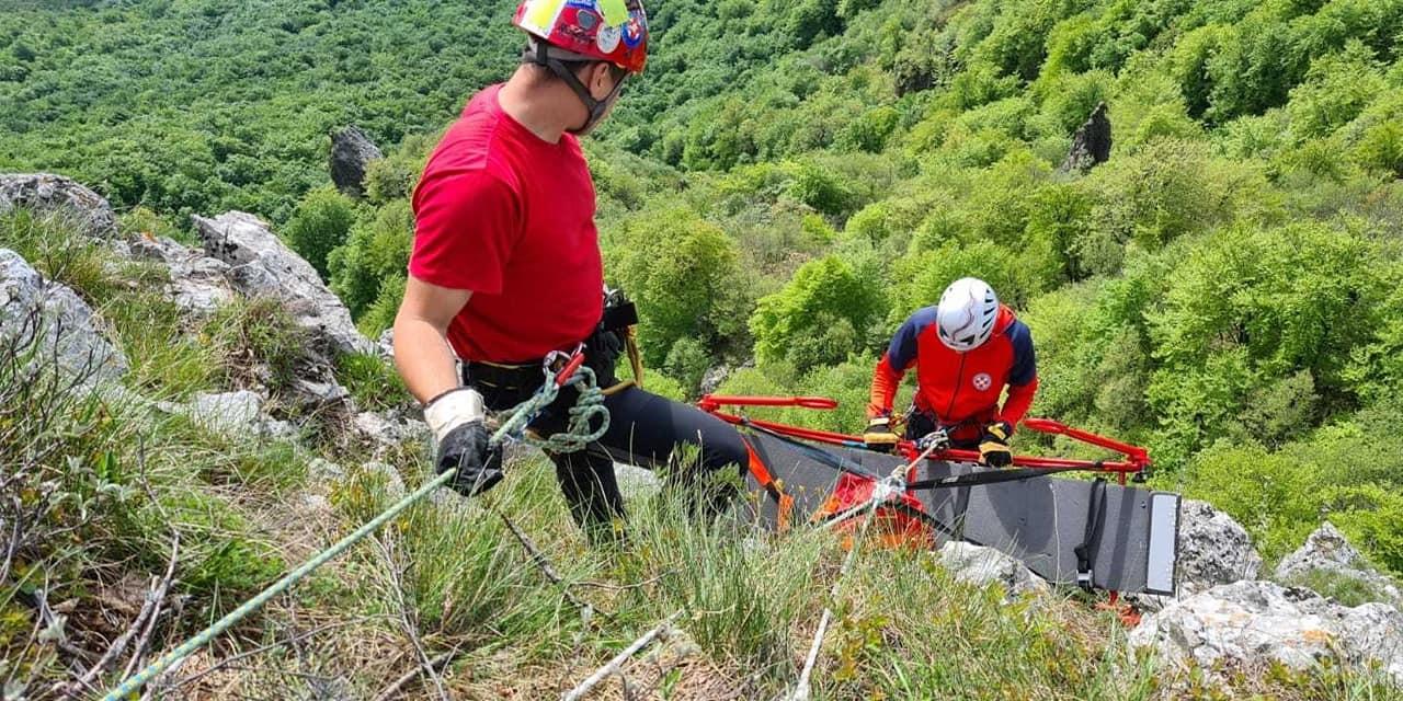 TRAGEDIJA Policija, vatrogasci i HGSS iz kanjona rijeke vadili ženski leš