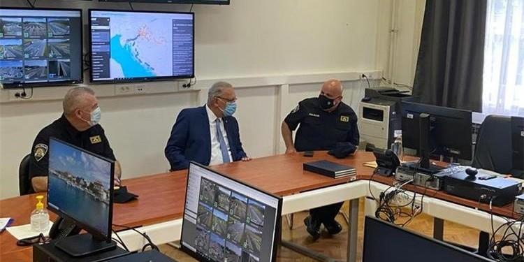 Ministar Božinović na otvorenju Stožera za provedbu mjera sigurnosti tijekom turističke sezone 2021.