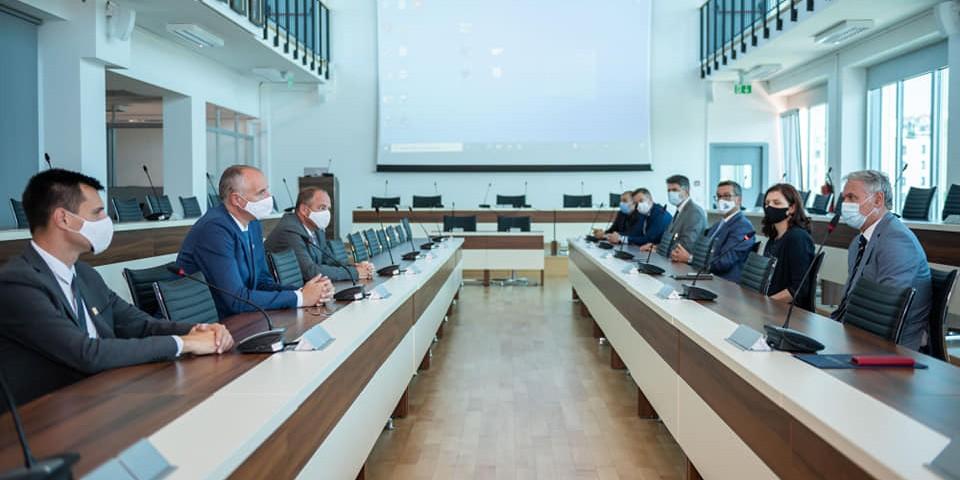 Gradonačelnik Puljak sa zamjenicima nastavio s nastupnim posjetima istaknutim institucijama
