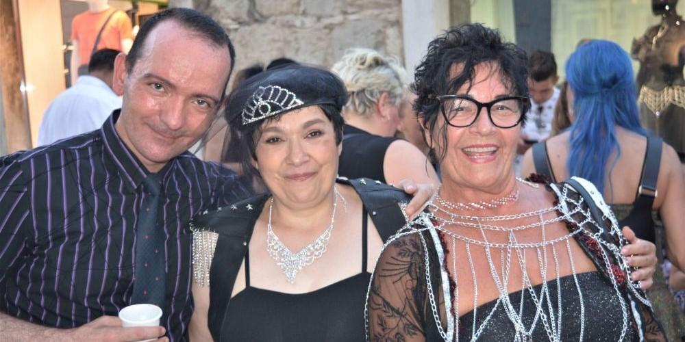 FOTOGALERIJA Vampirica Olja ponovno otvorila dućan, zvijezda večeri Bahra