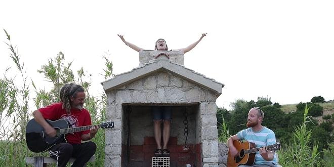 PODIŽE RASPOLOŽENJE Ane Paška objavila ljetnu pjesmu 'Slobodna je hit'