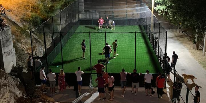 VIDEO Bakljada na Trsteniku povodom postavljanja nogometnog kaveza
