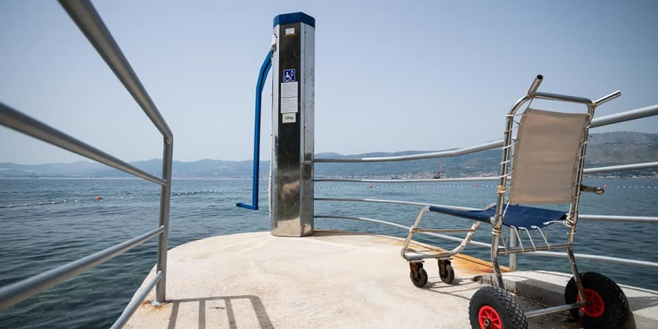 BENE Postavljen lift za osobe s invaliditetom