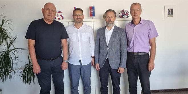 NA DAN UTAKMICE: Vodstvo Solina poželjelo Hajduku sreću u Europi!