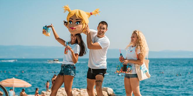 Pipi oduševila ekipu na plaži novim okusima i genijalnim boomboxom!