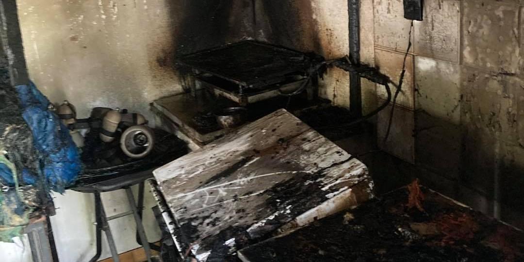STRAVIČNA SMRT: 79-godišnjakinja poginula u požaru, sin teško opečen