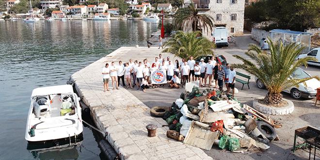 FOTOGALERIJA 'Van iz našega mora!'
