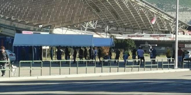 Navijači se od jutros testiraju uoči susreta s Lokomotivom