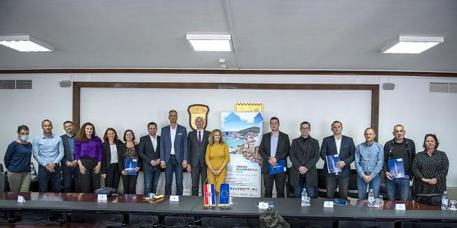 Gradonačelnici i načelnici 13 gradova i općina potpisali sporazum o izradi nove Strategije razvoja Urbane aglomeracije Split