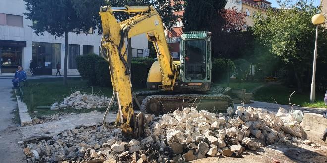 Split dobiva 45 polupodzemnih spemnika za otpad